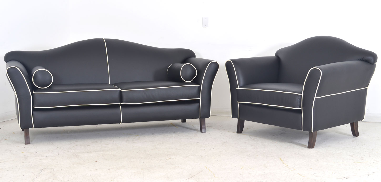 Destra Couch With Chair Contrast Piping